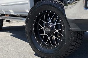 Chevy Silverado M0986 Moto Metal Siege Wheels