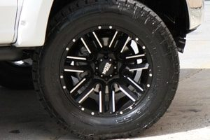 Ford F-150 Lariat MO978 Moto Metal Razor Wheels