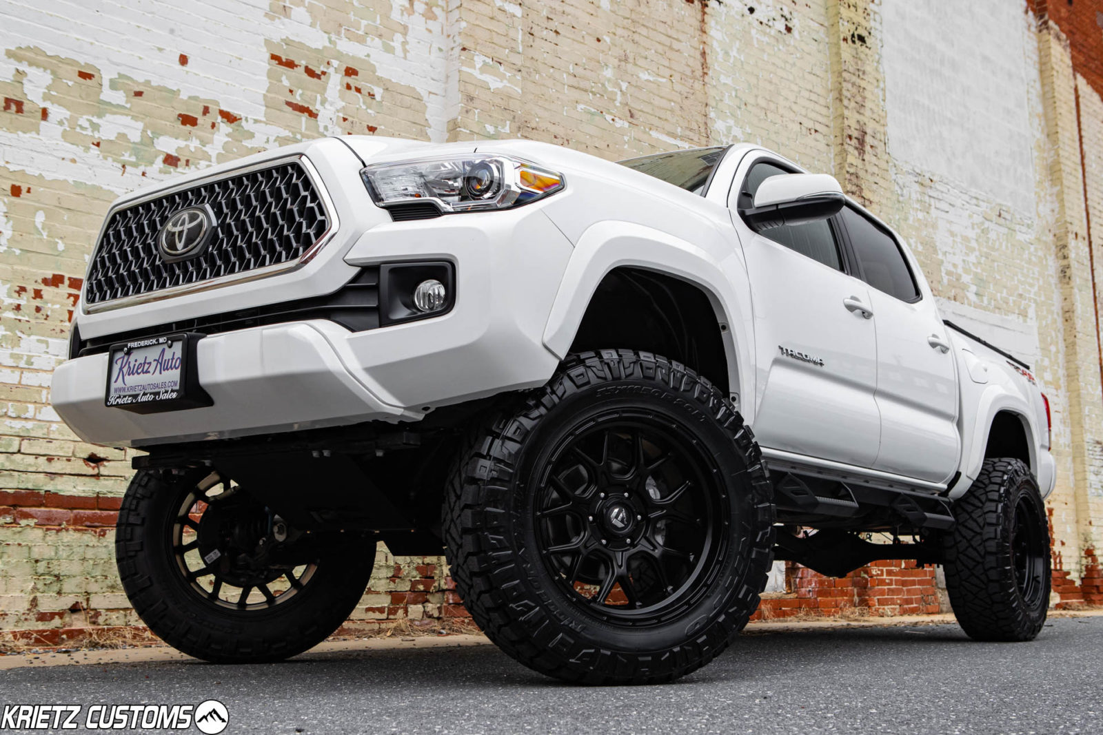 White Lifted Jeep >> Lifted 2019 Toyota Tacoma TRD Sport with 20×10 Fuel Tech ...