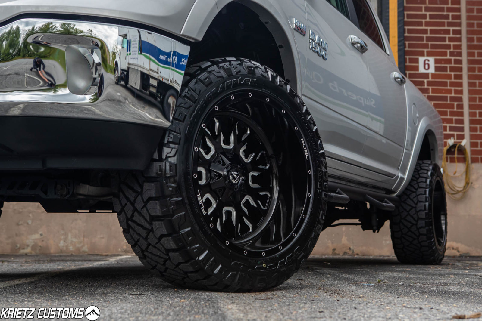 Lifted 2019 Ram 1500 Classic With 6 Inch Rough Country